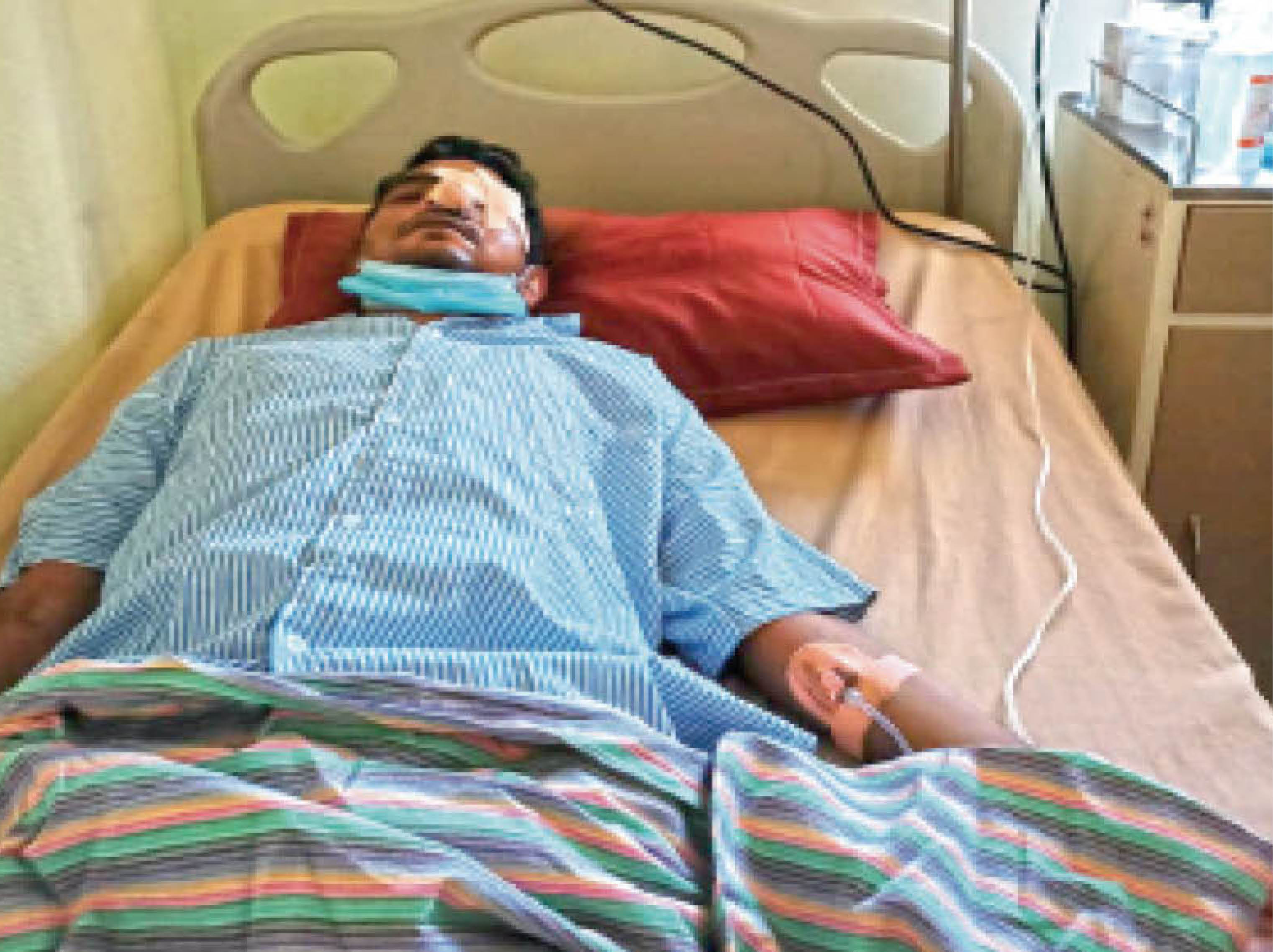 अस्पताल में सुनील। - Dainik Bhaskar