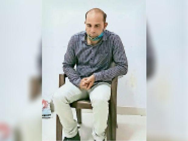 13 हजार की घूस लेते अलीगढ़ थाने का हेड कांस्टेबल गिरफ्तार|सवाई माधोपुर,Sawai Madhopur - Dainik Bhaskar