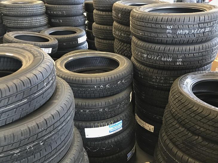 सरकार का कहना कंपनी ऐसे टायर बनाए जो गीले सड़क में भी पकड़ बनाए रखे ऑटो,Auto - Dainik Bhaskar