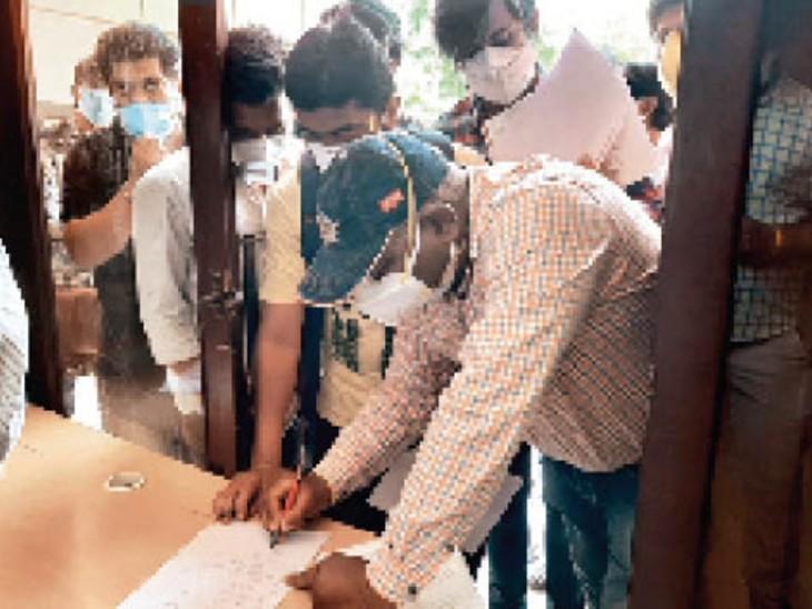 ब्लैक फंगस के 8 ऐसे मरीज मिले, जिन्हें नहीं पता कोरोना कब हुआ; होम आइसोलेशन वाले मरीजों पर भी मंडरा रहा खतरा|इंदौर,Indore - Dainik Bhaskar