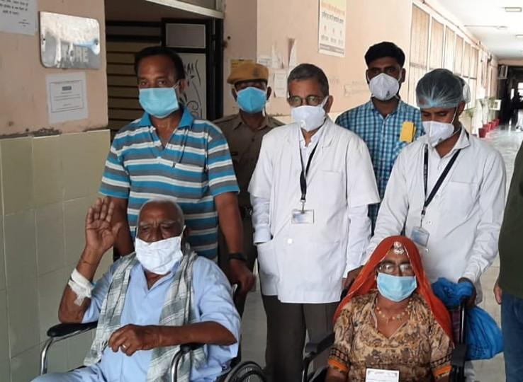 नागौर में जितने कोरोना संक्रमित आए, उसमें से 88 फीसदी ठीक हुए, अब तक 16 हजार 806 संक्रमितों में से 14 हजार 799 रिकवर हुए, मृत्यु दर 1 फीसदी से भी कम नागौर,Nagaur - Dainik Bhaskar
