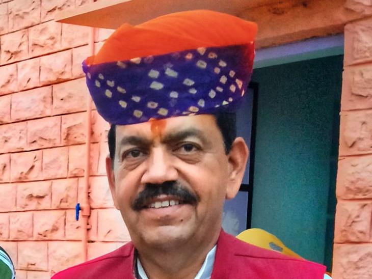 कांग्रेस के प्रदेश उपाध्यक्ष राजेंद्र चौधरी बोले- हेमाराम चौधरी ने मजबूर होकर इस्तीफा दिया है, इससे मारवाड़ में पार्टी को बहुत बड़ा नुकसान हुआ है|जयपुर,Jaipur - Dainik Bhaskar