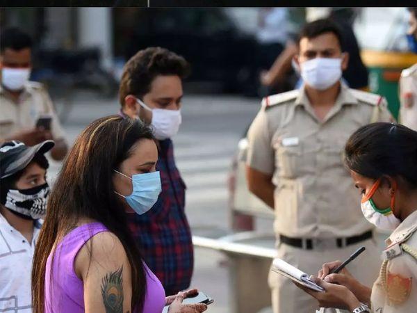 मुंबई में 27.59 लाख लोगों को बिना मास्क के बाहर घूमते पकड़ा, इनसे वसूला गया 55 करोड़ रुपए जुर्माना|मुंबई,Mumbai - Dainik Bhaskar