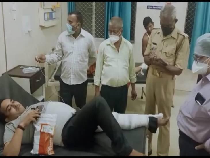 तेज रफ्तार डबल डेकर बस पलटी, पीछे से टकराई फाॅर्च्यूनर; 29 लोग घायल, एक कार सवार की मौत कानपुर,Kanpur - Dainik Bhaskar