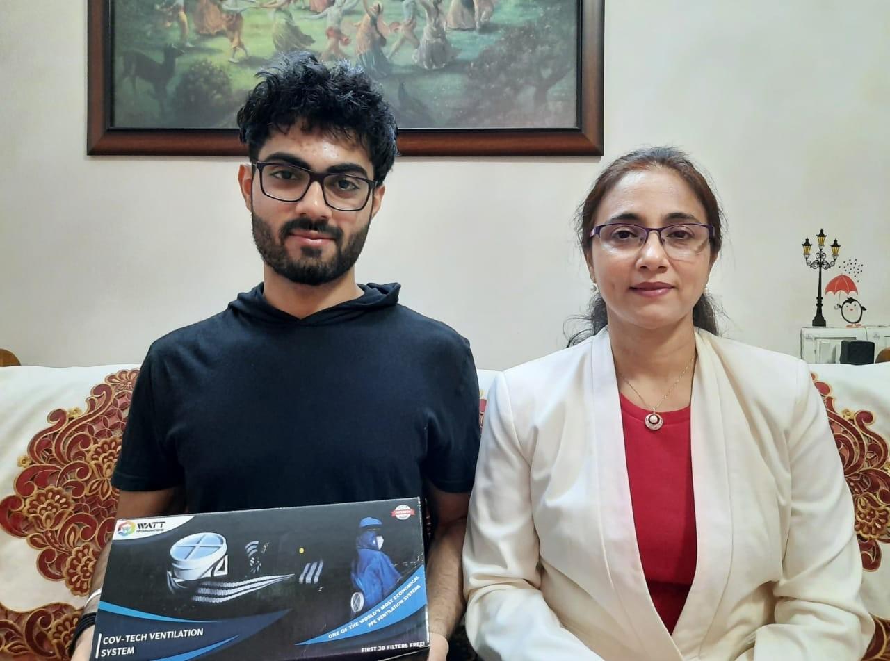 अपनी मां डॉ. पूनम कौर के साथ निहाल।