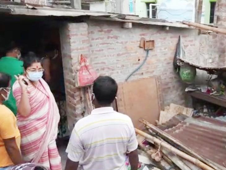 हुगली से भाजपा सांसद लॉकेट चटर्जी ने पीड़ित लोगों से मुलाकात की।