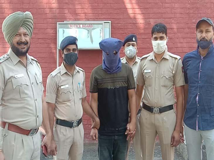 पंजाबी यूनिवर्सिटी पटियाला से बीएससी पासआउटयुवक से चंडीगढ़ पुलिस ने 5 किलो चरस पकड़ी,अन्य आरोपियों को पकड़ने के लिए छापेमारी|चंडीगढ़,Chandigarh - Dainik Bhaskar