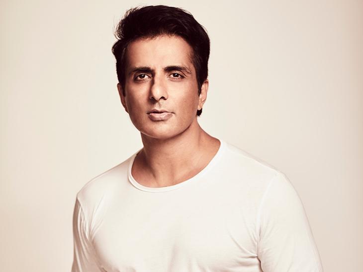 फैन्स ने सोनू सूद के पोस्टर को दूध से नहलाया, एक्टर ने कहा- आभार, लेकिन इसे किसी जरूरतमंद के लिए बचाकर रखें बॉलीवुड,Bollywood - Dainik Bhaskar