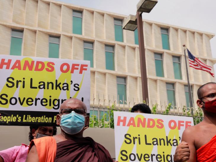 श्रीलंका में विपक्ष और आम नागरिकों ने कोलंबो पोर्ट सिटी को चीन के हवाले करने का विरोध किया था, लेकिन सरकार ने तमाम मांगें अनसुनी कर दीं।