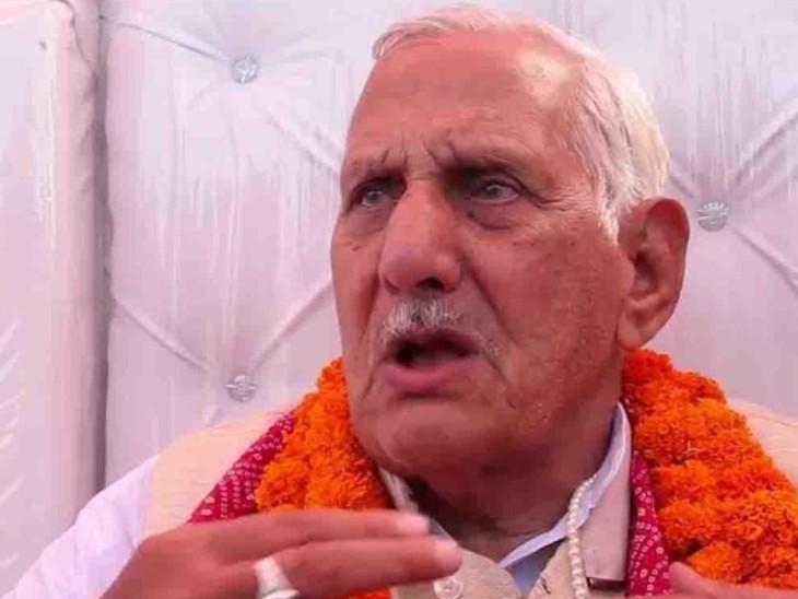 कई व्यापारी नेताओं ने मेयर से मांग की थी कि तालकटोरा रोड को श्याम बिहारी मिश्र मार्ग घोषित किया जाए और उनके नाम पर एक चौराहा भी रखा जाए। (फाइल फोटो) - Dainik Bhaskar