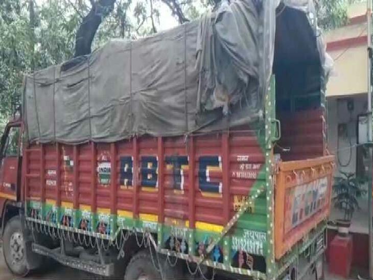 हरियाणा से एक ट्रक शराब लेकर आए थे तस्कर, पटना में खपाने की थी तैयारी; पुलिस ने 2 को पकड़ा, ट्रक व विक्टा जब्त|पटना,Patna - Dainik Bhaskar