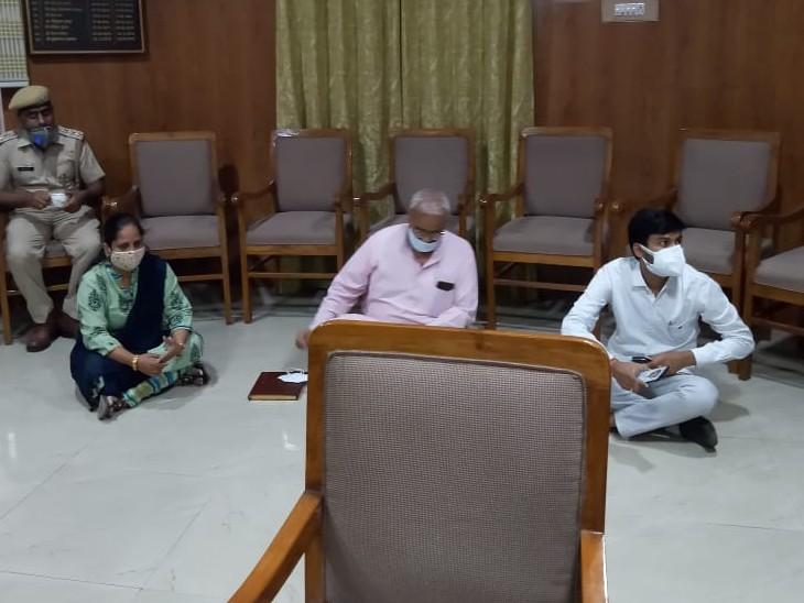 बोले- आज में डॉक्टर लेकर ही जाऊंगा; रामगंजमंडी विधानसभा क्षेत्र में नियुक्ति की कर रहे थे मांग, आश्वासन के बाद माने कोटा,Kota - Dainik Bhaskar