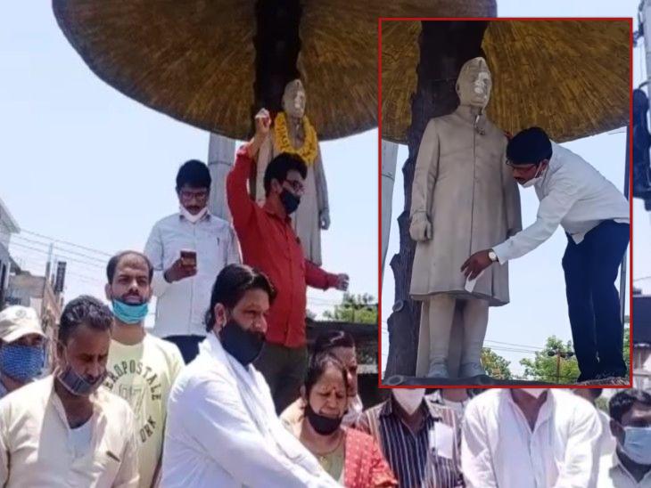देश के पहले प्रधानमंत्री पंडित जवाहर लाल नेहरू की 57वीं पुण्यतिथि पर क्षतिग्रस्त मिली प्रतिमा, कांग्रेसियों ने किया प्रदर्शन|झांसी,Jhansi - Dainik Bhaskar