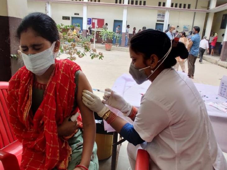 केंद्र ने ऑनस्पॉट रजिस्ट्रेशन करके वैक्सीन लगाने काे कहा, सेंटर को राज्य सरकार के आदेश का इंतजार|पटना,Patna - Dainik Bhaskar