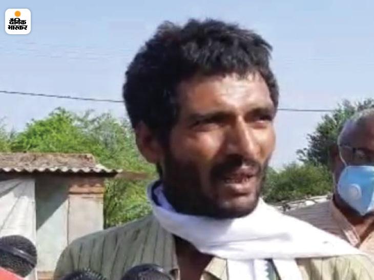 गांव के ही रहने वाले पंकज के बड़े भाई महेश की मौत हो गई। शराब पीने के बाद अचानक उनकी तबियत बिगड़ी और उन्होंने दम तोड़ दिया।