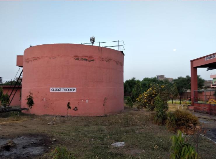 सीवरेज ट्रीटमेंट प्लांट में क्लोरीन गैस का लीकेज होने से भगदड़, दो कर्मचारियों की हालत बिगड़ी; पुलिस ने खाली कराईं कॉलोनियां|जयपुर,Jaipur - Dainik Bhaskar