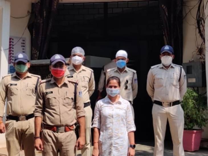 15 रुपए में गुटका बेचने पर की थी मारपीट, दुकान में घुसकर लूट ले गए थे नकदी और साउंड सिस्टम, दो आरोपी गिरफ्तार, दो फरार|उज्जैन,Ujjain - Dainik Bhaskar