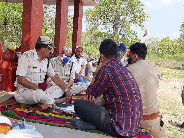 तीन दोस्तों ने पहले की शराब पार्टी, फिर आरोपी ने मांगी 80 हजार की उधारी, न देने पर मार दी गोली, एक की मौत, दूसरा फरार, तीसरा आ गया गांव रीवा,Rewa - Dainik Bhaskar