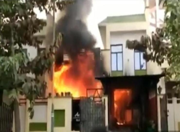 इस विला में आग लगने से हुई थी दीपा गुर्जर और उसके बेटे की मौत।