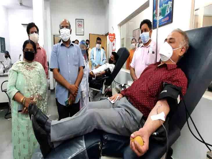 खूनदान कैंप में काफी संख्या में लोगों ने हिस्सा लिया