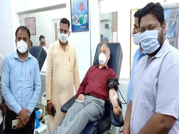 मोदी सरकार के 7 साल पूरे हाेनेपर चंडीगढ़ में लगाए कैंप, कहा- सेलिब्रेशननहीं, सामाजिकसेवा कार्यक्रम करकेमनाएंगे|चंडीगढ़,Chandigarh - Dainik Bhaskar