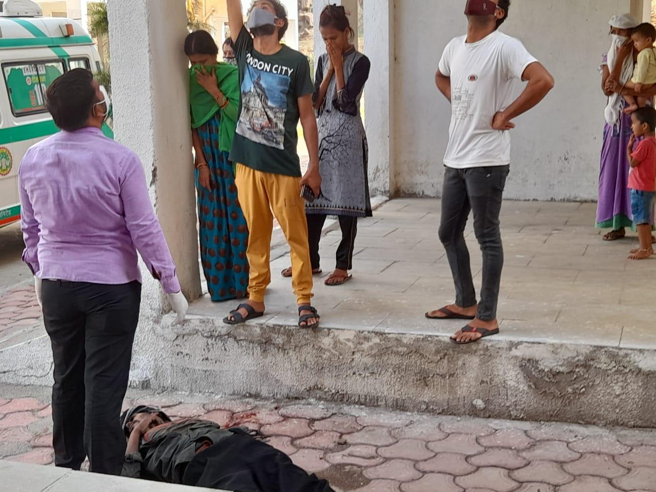 पत्नी इंदौर में करती है नर्सिंग जॉब, लंबे समय से अकेला रह रहा था युवक, पुलिस कर रही मामले की जांच|छिंदवाड़ा,Chhindwara - Dainik Bhaskar