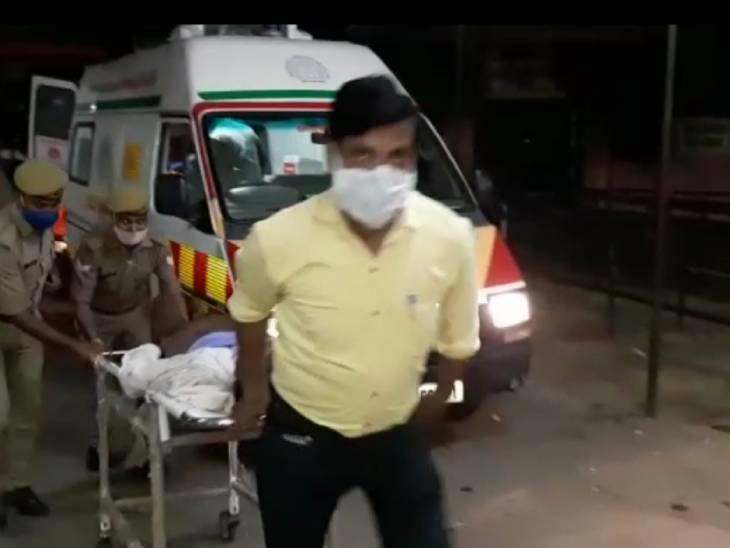 सीतापुर में एक शादी समारोह के दौरान हुए हादसे में चार लोगों की मौत हो गई। - Dainik Bhaskar