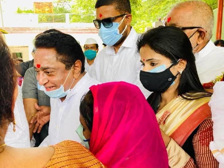 दावेदार महिला नेत्रियों ने पूर्व सीएम कमलनाथ से किया परिचय; उन्होंने कहा, सब लोग मेहनत कर कांग्रेस के लिए काम करें|रीवा,Rewa - Dainik Bhaskar