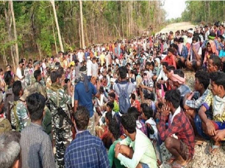 बीजापुर-सुकमा के गांवों में बढ़े संक्रमित, कैंप के आसपास के क्षेत्रों में 121 मरीज मिले, कलेक्टर्स ने बैठक लेकर की समीक्षा छत्तीसगढ़,Chhattisgarh - Dainik Bhaskar