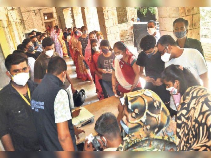 पहली बार एक दिन में 7682 युवाओं ने लगवाए टीके, 9 दिन में आंकड़ा 64 हजार पार बालोतरा,Balotra - Dainik Bhaskar