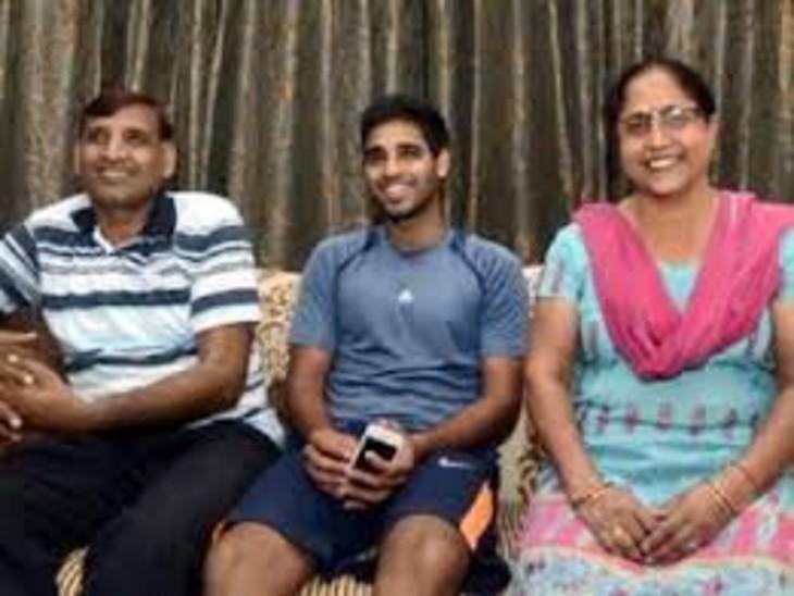 कोरोना संक्रमण के बाद सांस लेने में दिक्कत, मेरठ में भर्ती; 13 दिन पहले हुई थी पिता की मौत|मेरठ,Meerut - Dainik Bhaskar