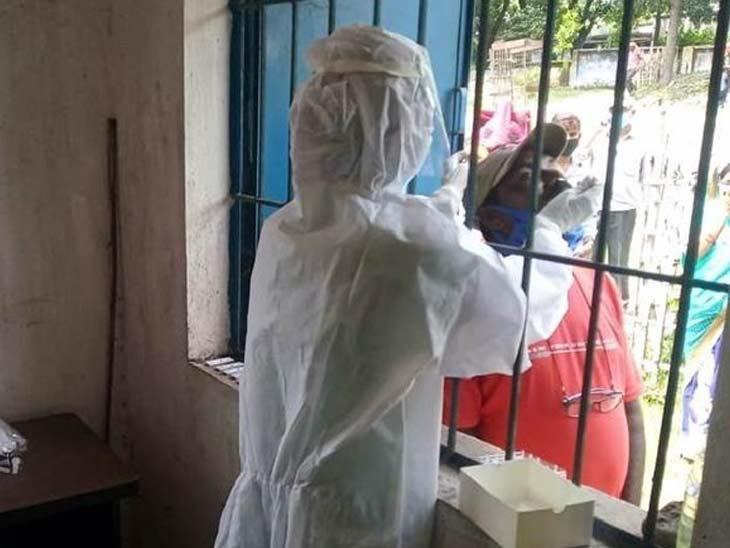 पिछले 24 घंटे में 823 नए काेराेना संक्रमित मिले ताे इससे दाेगुने 1647 मरीज स्वस्थ भी हुए, 13 संक्रमिताें की माैत|रांची,Ranchi - Dainik Bhaskar