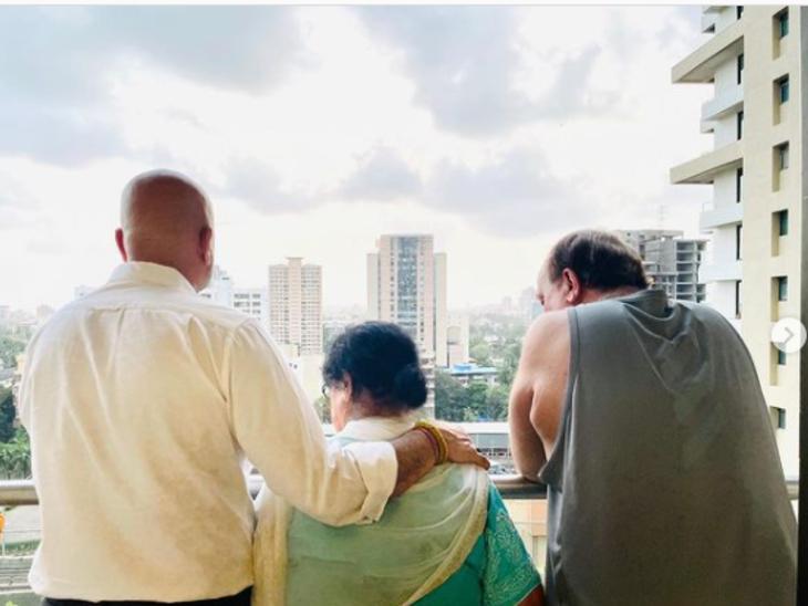 अनुपम खेर ने सोशल मींडिया पर शेयर की फैमिली फोटो, बोले- एक परिवार का परफेक्ट होना जरूरी नहीं है, उनका सिर्फ साथ होना चाहिए बॉलीवुड,Bollywood - Dainik Bhaskar