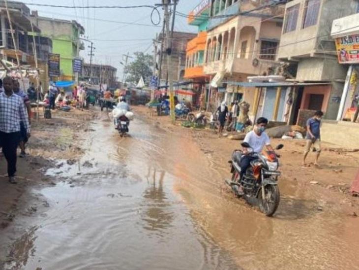 आरा का गोढना रोड विकास के दावों के फेल होने की निशानी बना, आवंटन के बाद भी सड़क नहीं बनी|भोजपुर,Bhojpur - Dainik Bhaskar