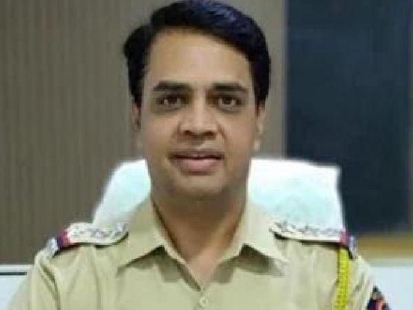मुंबई पुलिस का इंस्पेक्टर सुनील माने बर्खास्त, सचिन वझे का साथ देने के आरोप में NIA ने अरेस्ट किया था मुंबई,Mumbai - Dainik Bhaskar
