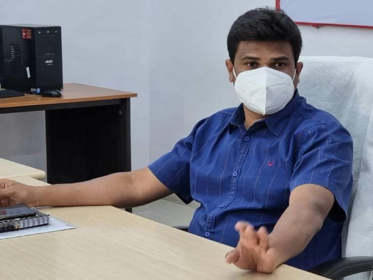 12 साल से कम उम्र के बच्चों के अभिभावकों का टीकाकरण, स्कूल आईडी कार्ड, जन्म प्रमाण पत्र होगा मान्य झांसी,Jhansi - Dainik Bhaskar