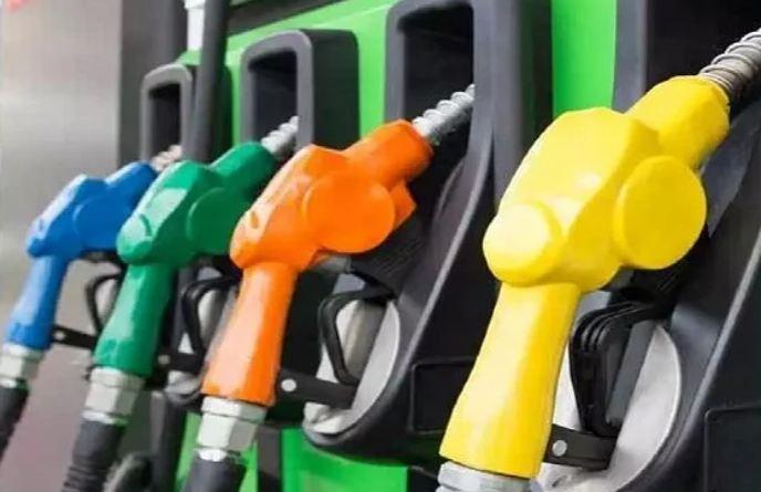 भोपाल में पेट्रोल 57 पैसे बढ़कर रिकॉर्ड 102.67 रुपए पर पहुंचा; एक मई से लेकर अब तक 4.28 रुपए की बढ़ोतरी हो चुकी, 31 दिन में हर दूसरे दिन बढ़े दाम|मध्य प्रदेश,Madhya Pradesh - Dainik Bhaskar