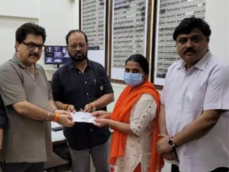 'मौका-ए-वारदात' के असिस्टेंट आर्ट डायरेक्टर लक्ष्मण शर्मा का कोरोना से निधन, मेकर्स ने उनकी फैमिली को दिए 11 लाख रुपए|टीवी,TV - Dainik Bhaskar