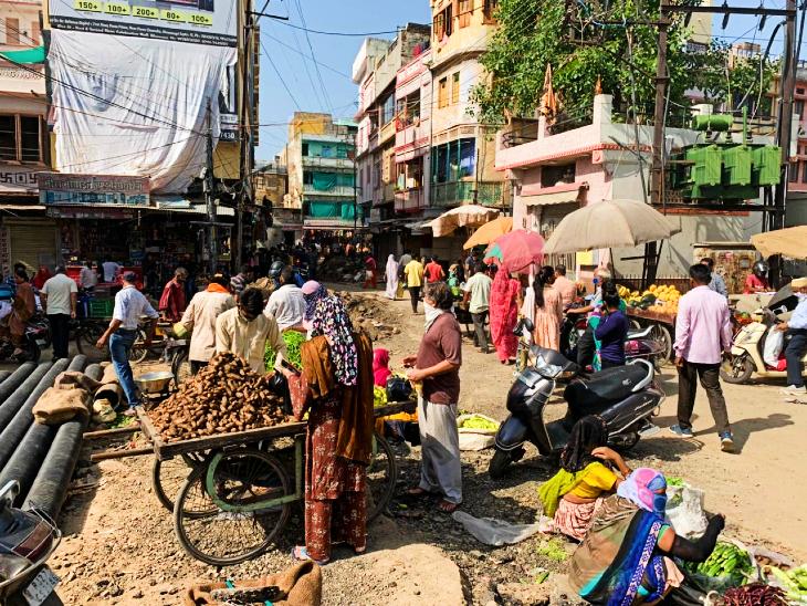 सरकार की रियायत व्यापारियों को नहीं दे पाई राहत, चुनिंदा दुकानों पर पहुंची शहरवासियों की भीड़; फुटकर व्यापारी हुए परेशान उदयपुर,Udaipur - Dainik Bhaskar