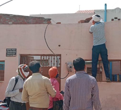5 घंटे में 67 कनेक्शन काटे, 11 लोगों के खिलाफ बिजली चोरी के प्रकरण दर्ज, उपभोक्ता अपनी ऊंची पहुंच का देते रहे हवाला|भिंड,Bhind - Dainik Bhaskar