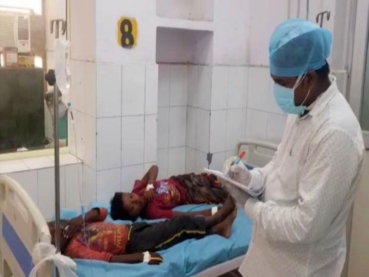 बेहोशी की दवा मिली खीर और पूड़ी खिलाकर बंजारों को लूट ले गए बदमाश, 12 घंटे के बाद 14 लोगों की खुली नींद तो उड़े होश|आगरा,Agra - Dainik Bhaskar