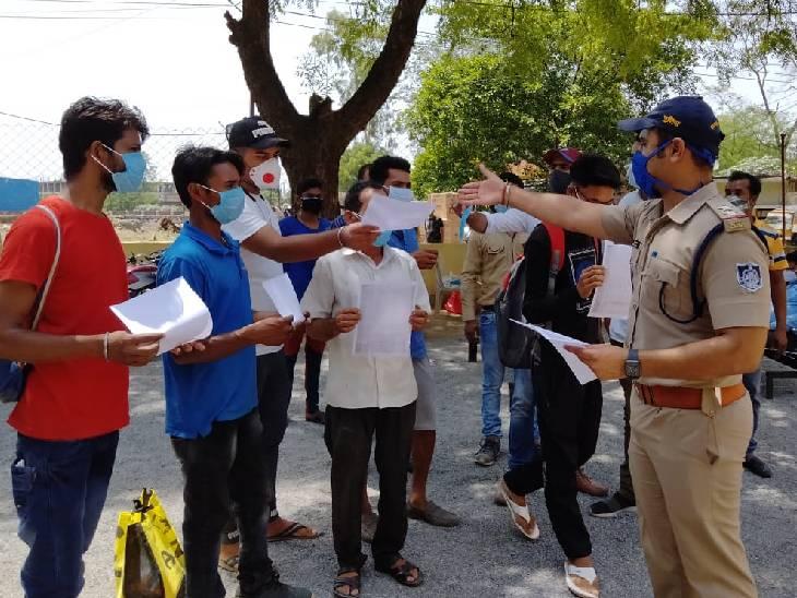 रीवा जिले में शहर से लेकर गांव तक पुलिस-प्रशासन एक्टिव, अमहिया थाने में हुआ रेपिड टेस्ट तो शाहपुर पुलिस ने बताया वैक्सीन का महत्व|रीवा,Rewa - Dainik Bhaskar
