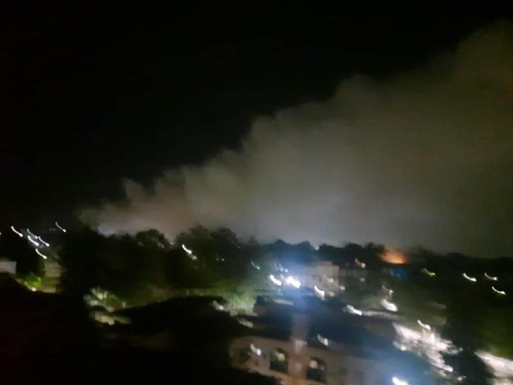 ठाणे के बदलापुर में एक कंपनी से गैस का रिसाव, आसपास के लोगों ने की सांस लेने में तकलीफ की शिकायत|देश,National - Dainik Bhaskar
