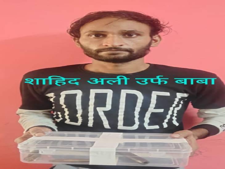 ज्वैलर्स के यहां 90 लाख की डकैती कर फरार हो गया था, 10 मामलों में आरोपी और 50 हजार का वॉन्टेड शाहिद उर्फ बाबा धरा गया प्रयागराज,Prayagraj - Dainik Bhaskar