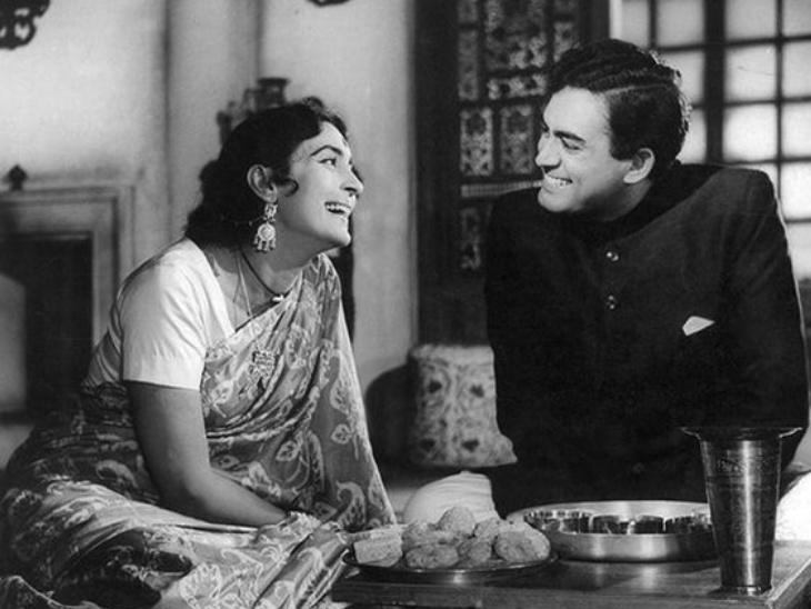 देवी(1970) फिल्म का एक दृश्य।