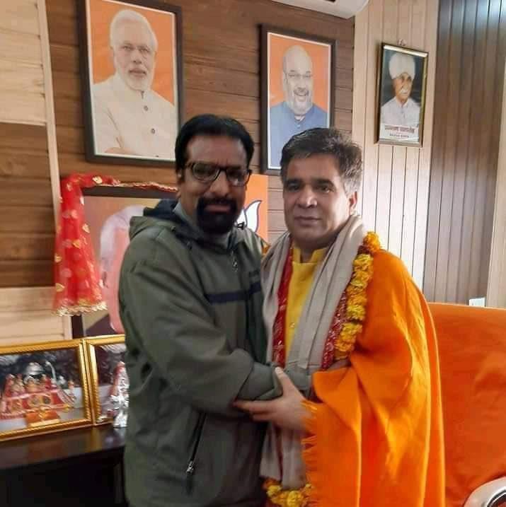 राकेश पंडित और जम्मू-कश्मीर के भाजपा चीफ रविंद्र रैना।