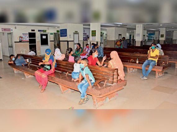 जिले के सरकारी अस्पतालों में 30 हजार बच्चों पर एक बाल रोग विशेषज्ञ, पीकू वार्ड किसी में नहीं रोहतक,Rohtak - Dainik Bhaskar