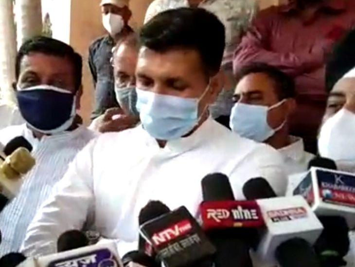 जल्दबाजी में पटवारी ने 1 लाख की जगह इंदौर में 1 करोड़ वैक्सीन रोज लगाने की बात कही, BJP ने ली चुटकी, कहा - इंदौर की आबादी 35 लाख है|इंदौर,Indore - Dainik Bhaskar
