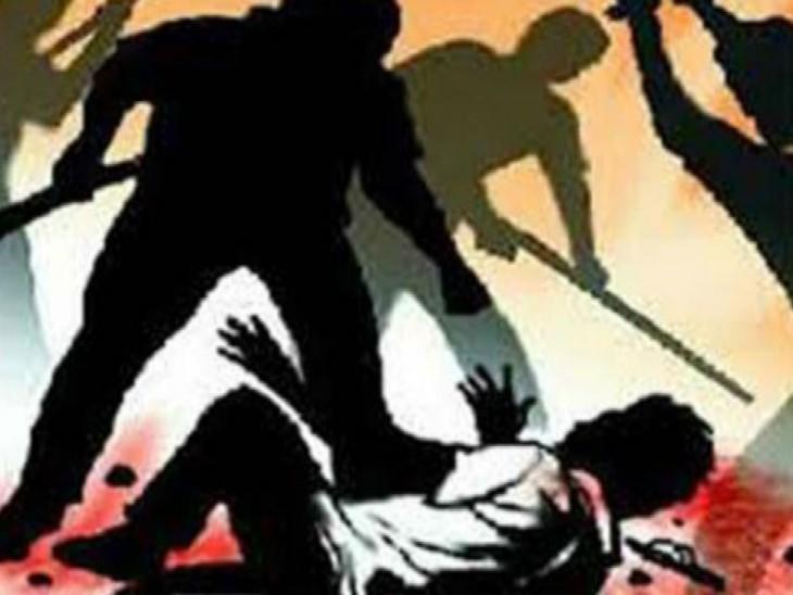 जिला पंचायत सदस्य और प्रधान परिवार में जमकर चले लाठी-डंडे, छह घायल ; घर में घुसकर लूटपाट का भी आरोप कानपुर,Kanpur - Dainik Bhaskar