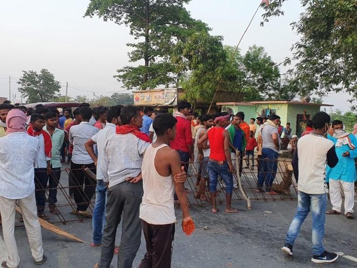 पीरो-बिहिया मार्ग पर सड़क दुर्घटना में एक की मौत, दूसरा गंभीर रूप से जख्मी|भोजपुर,Bhojpur - Dainik Bhaskar